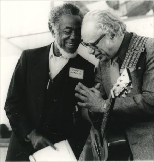 John Handcox and Joe Glazer at the 48th anniversary of the founding of the Southern Tenant Farmers Union, Memphis, April, 1982. Photo: Evelyn Munro Smith